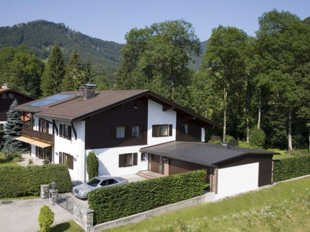 haus admont exklusive ferienwohnung in ruhpolding chiemgau. Black Bedroom Furniture Sets. Home Design Ideas