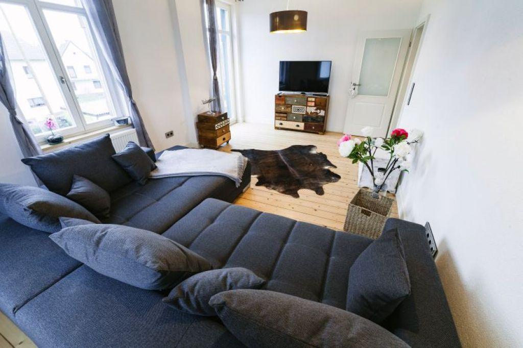 ikea weisse wohnzimmermoebel. Black Bedroom Furniture Sets. Home Design Ideas