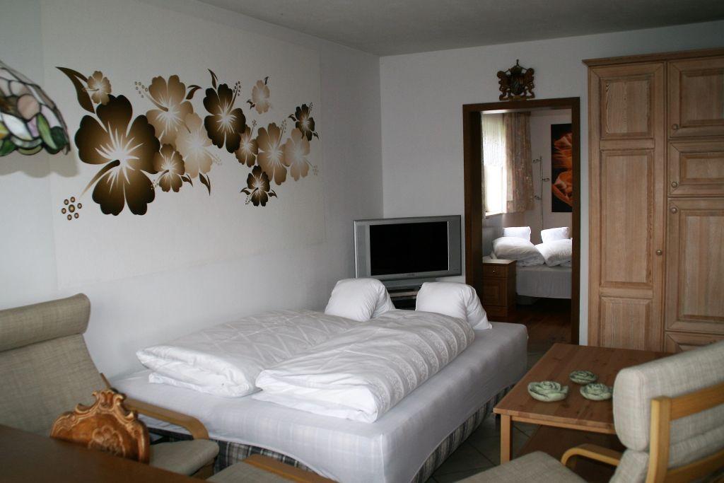 ferienwohnung jauss baierbrunn baierbrunn. Black Bedroom Furniture Sets. Home Design Ideas